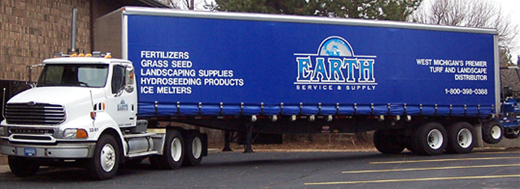 Curtain Side Technology provides easy loading and unloading of your trailers cargo.